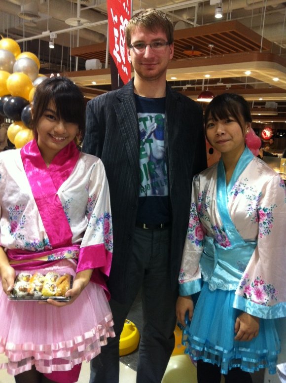 A smiles Taiwans girls welcomed you in Japanese restaurant in Taipei.
